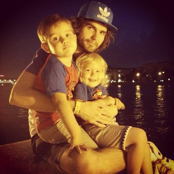 Нойз с детьми фото