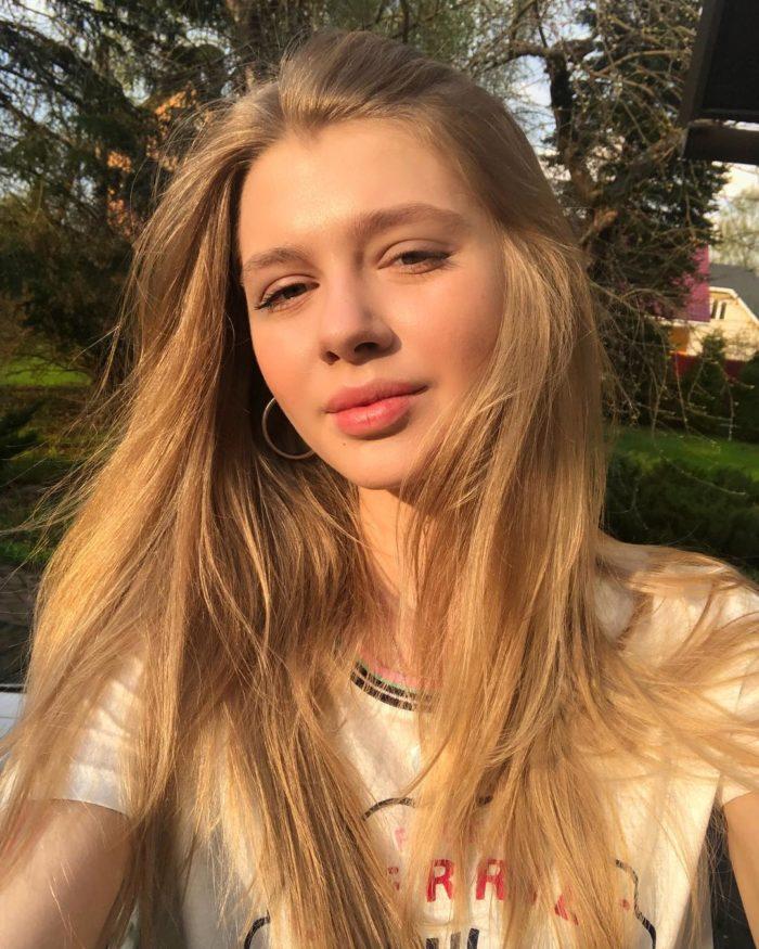 Анастасия Зенкович Голая