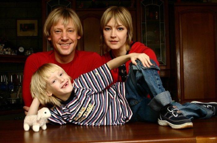 Дмитрий Харатьян биография личная жизнь семья жена дети  фото