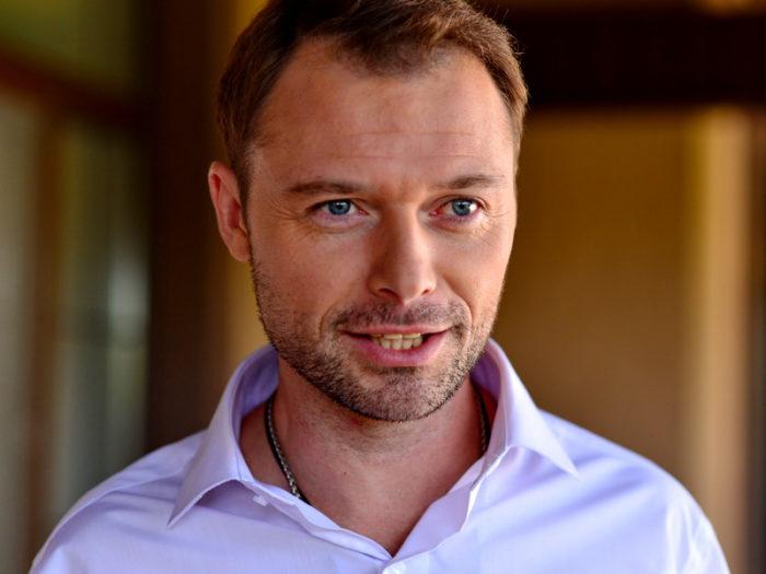 Илья Носков – фильмы и роли актера, его биография и личная жизнь с женой