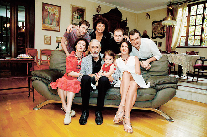 Вахтанг Кикабидзе биография личная жизнь семья жена дети фото