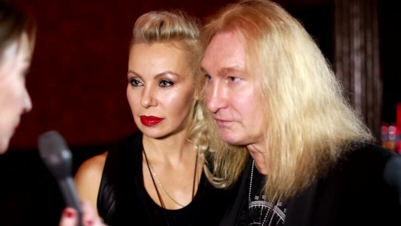 весной александр иванов с женой фото одного